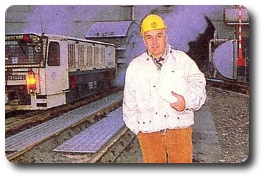 De l'arrivée des premiers tunneliers jusqu'à la poignée de main historique, Michel Chevalet a suivi d'un bout à l'autre le percement du tunnel sous la Manche...